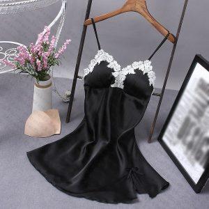 女神的秘密衣櫥 質感系列 仿絲質 性感睡衣 冰絲 甜美歐系浪漫白雕花 細肩帶 <現貨> 情趣睡衣 性感情趣內衣